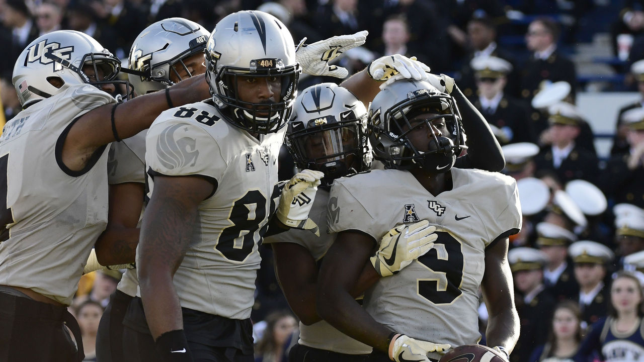 Cropped 2017 10 21t211004z 848970940 nocid rtrmadp 3 ncaa football central florida at navy