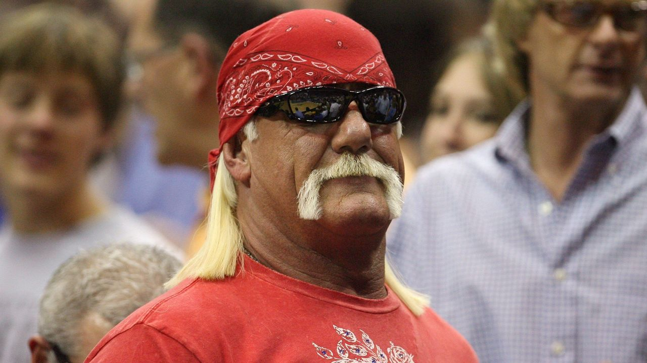 Hulk Hogan Brutus Beefcake Exchange Jabs On Twitter Thescore