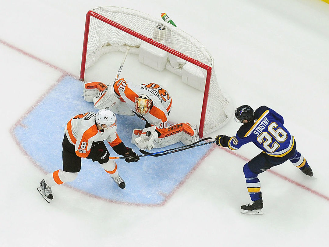 Flyers blank Blues despite depleted defense corps