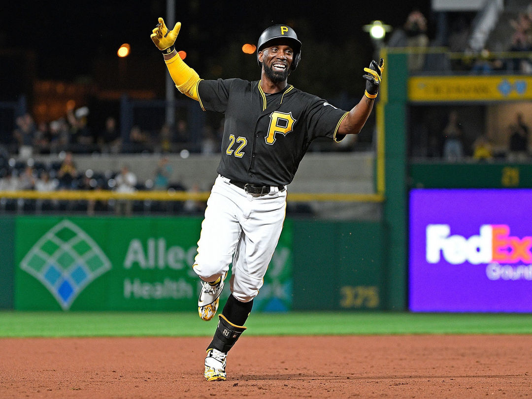 Pirates exercise McCutchen's $14.5M team option