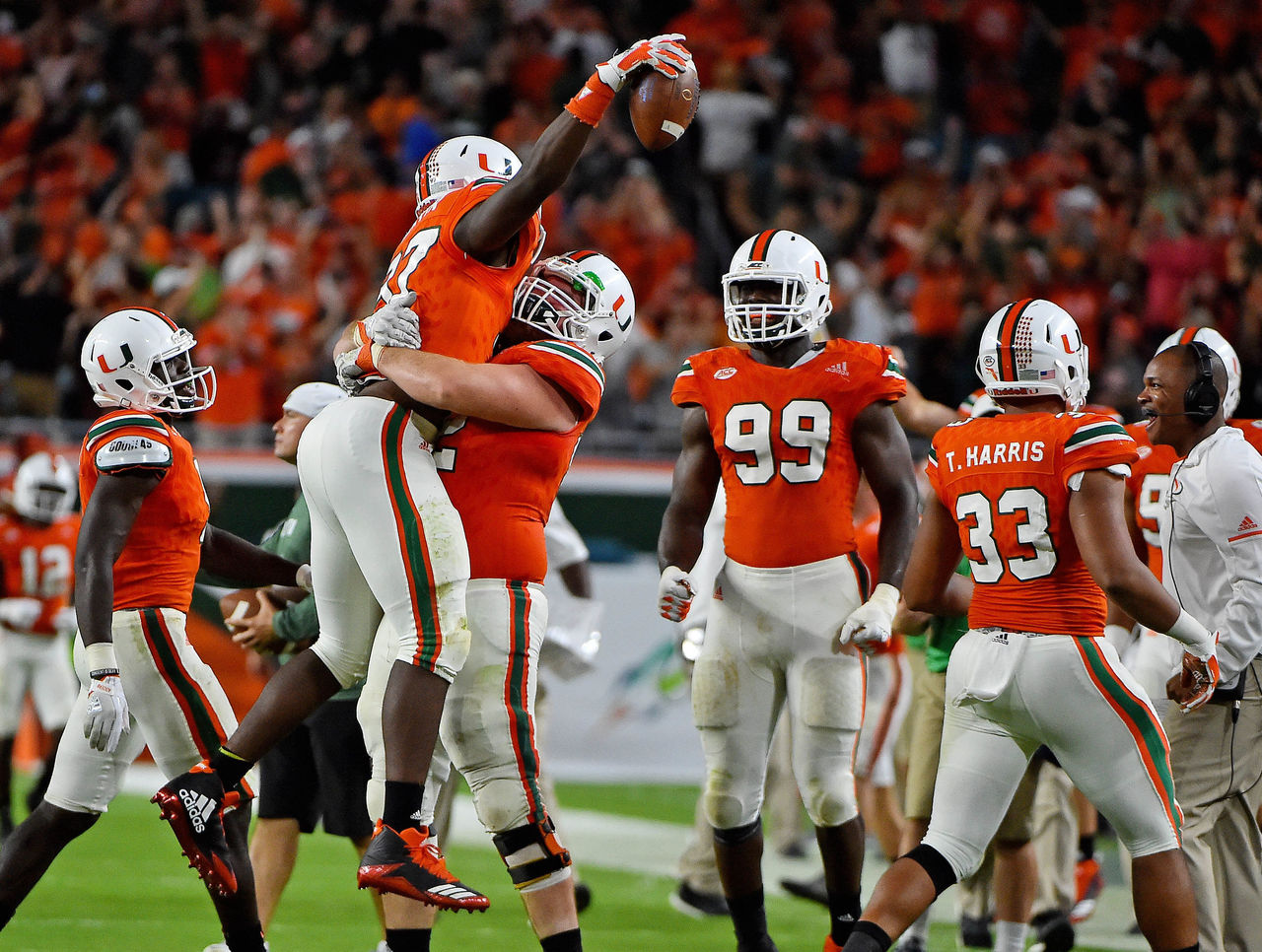 Cropped 2017 11 12t050947z 706788278 nocid rtrmadp 3 ncaa football notre dame at miami