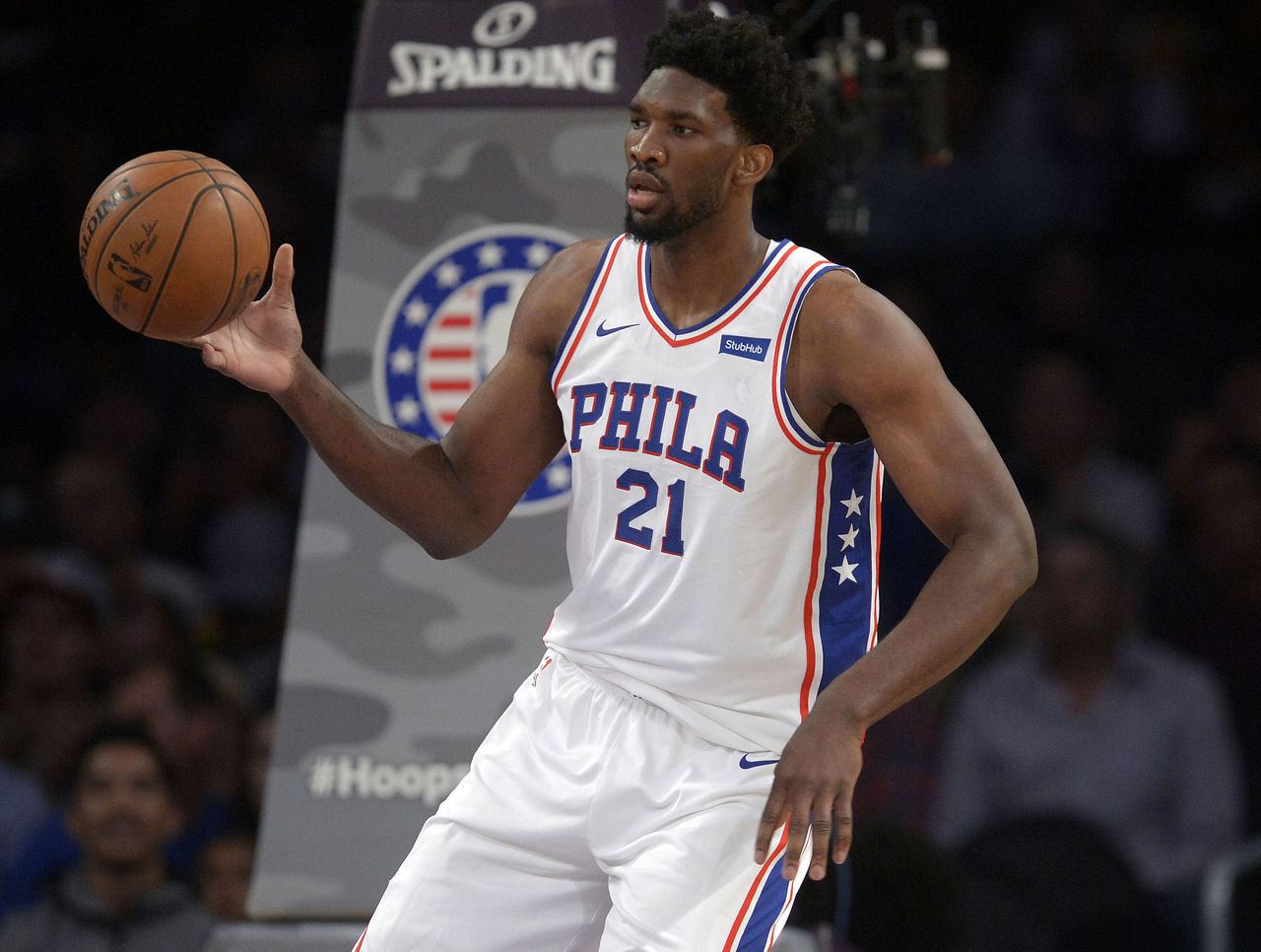 Cropped 2017 11 16t041119z 2130684435 nocid rtrmadp 3 nba philadelphia 76ers at los angeles lakers