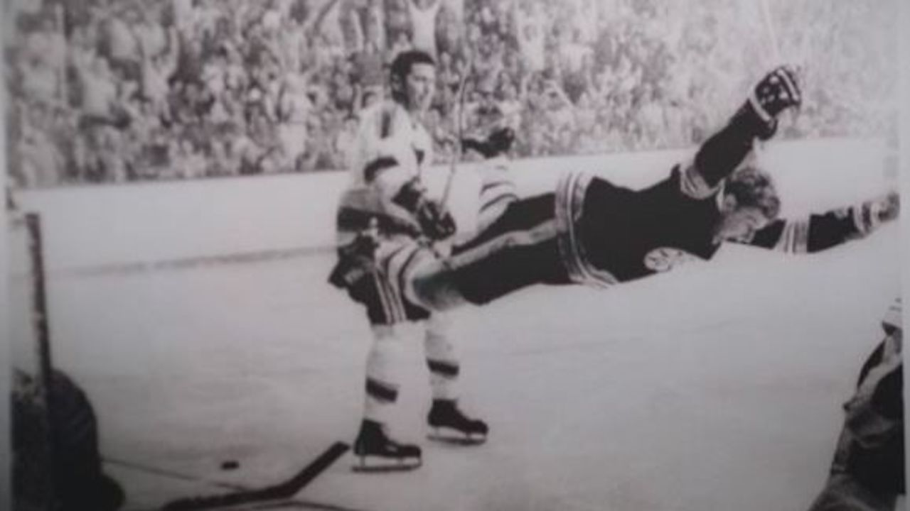 Cropped orr dives