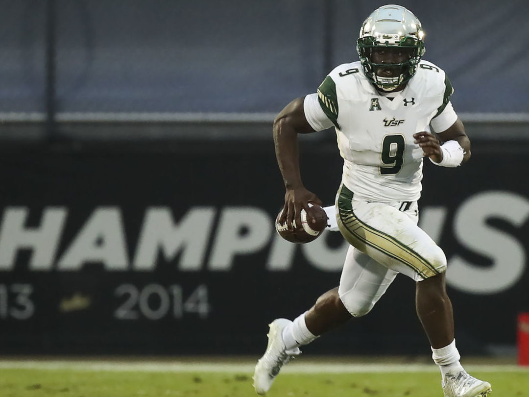 Watch: USF's Flowers appears to make crude gesture after TD run