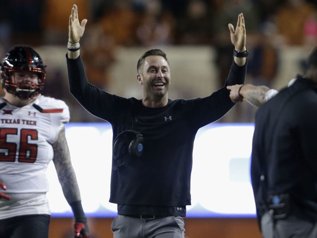 Texas Tech AD confirms Kingsbury will return in 2018