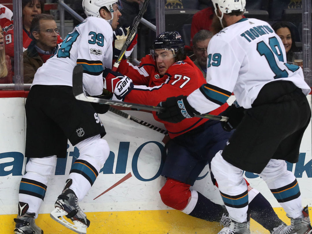 Thornton injures Oshie with hit to head