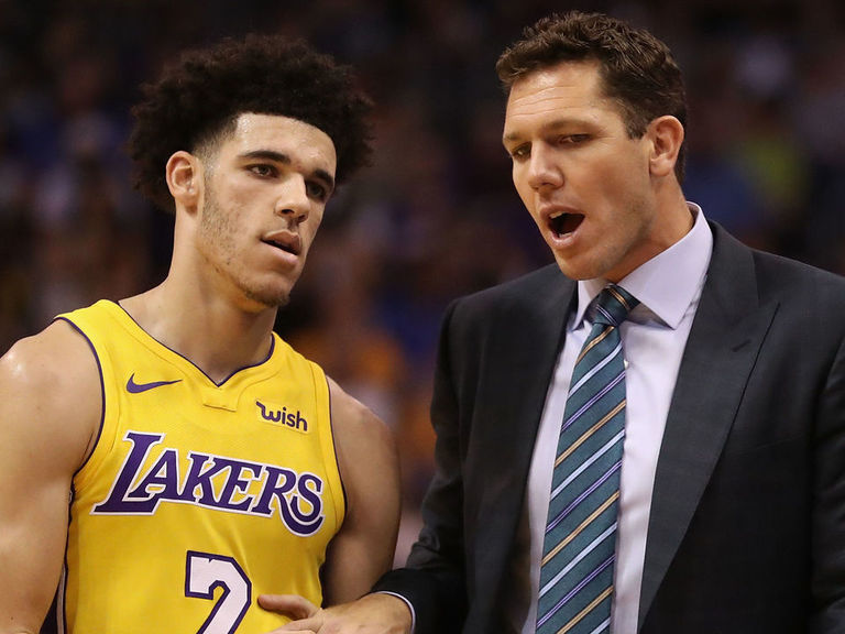 Walton shuts out LaVar: We're not interested in parents' opinions