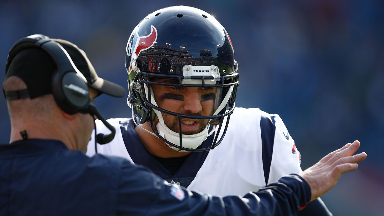Texans' Savage tweets he's fine after scary hit, defends coach O'Brien