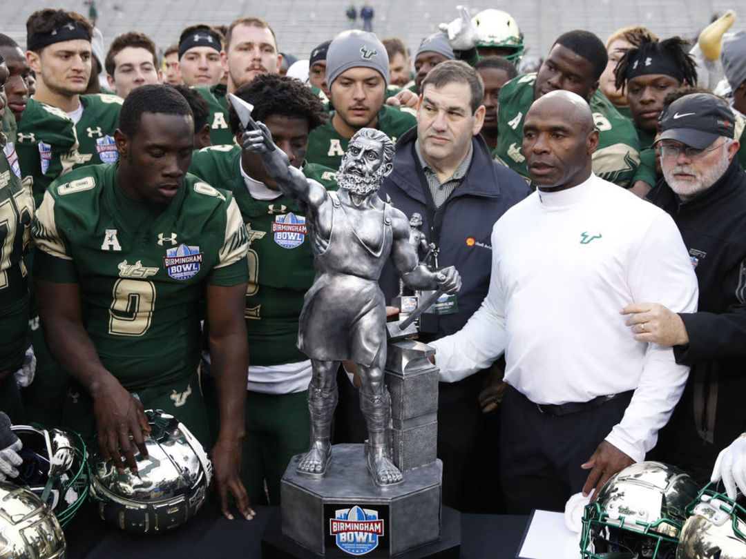 USF uses 21-point 4th quarter to post dramatic win in Birmingham Bowl