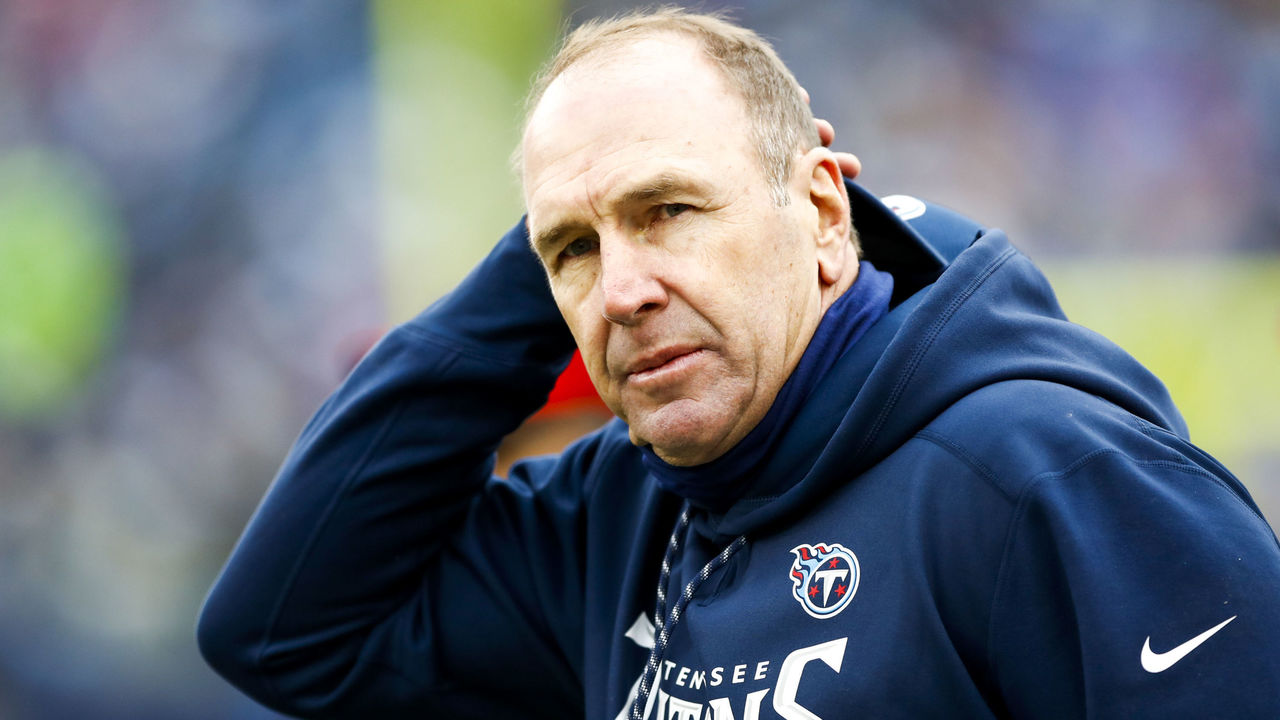 NASHVILLE, TN - DECEMBER 24: Head Coach Mike Mularkey of the Tennessee Titans in a game against the Los Angeles Rams at Nissan Stadium on December 24, 2017 in Nashville, Tennessee.