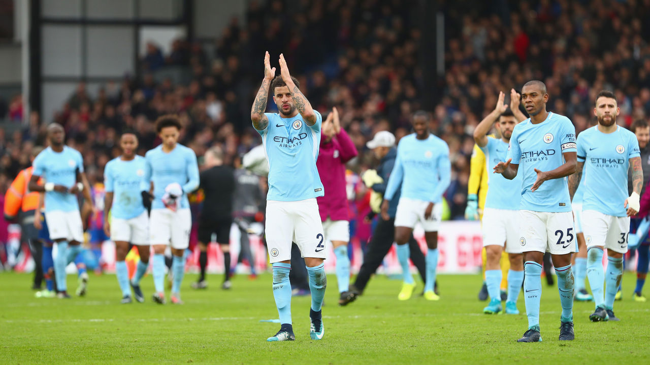 LONDON, ENGLAND - DECEMBER 31: Kyle Walker of Manchester City and team mates applaud the crowd after the Premier League match between Crystal Palace and Manchester City at Selhurst Park on December 31, 2017 in London, England.