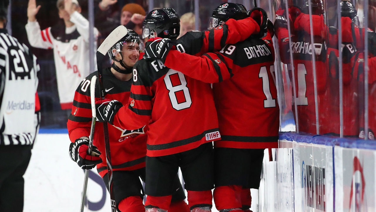 BUFFALO, NY - JANUARY 4: Drake Batherson #19 of Canada celebrates his third goal for a hat trick against Czech Republic in the second period during the IIHF World Junior Championship at KeyBank Center on January 4, 2018 in Buffalo, New York.