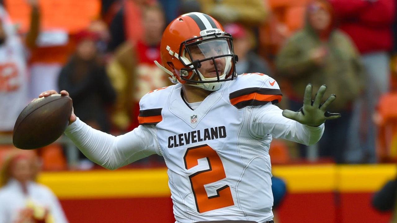 KANSAS CITY, MO - DECEMBER 27: Johnny Manziel #2 of the Cleveland Browns throws a pass at Arrowhead Stadium during the first quarter of the game on December 27, 2015 in Kansas City, Missouri.