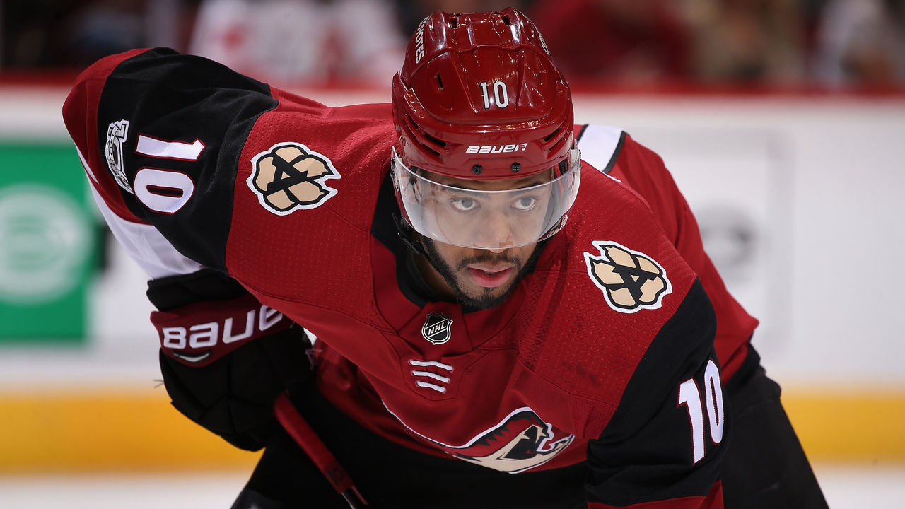GLENDALE, AZ - DECEMBER 02: Anthony Duclair #10 of the Arizona Coyotes awaits a face-off during the NHL game against the New Jersey Devils at Gila River Arena on December 2, 2017 in Glendale, Arizona. The Coyotes defeated the Devils 5-0.