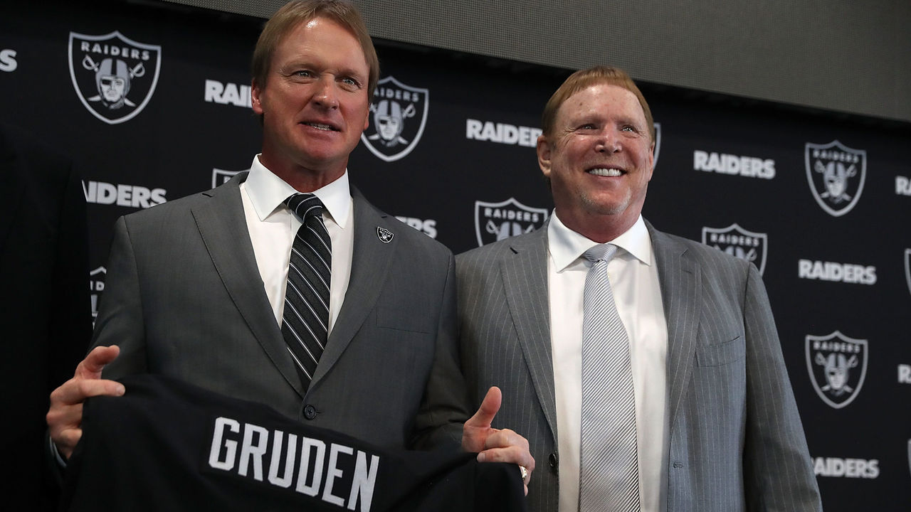 ALAMEDA, CA - JANUARY 09: Oakland Raiders new head coach Jon Gruden (L) and Raiders owner Mark Davis pose for a photograph during a news conference at Oakland Raiders headquarters on January 9, 2018 in Alameda, California. Jon Gruden has returned to the Oakland Raiders after leaving the team in 2001.