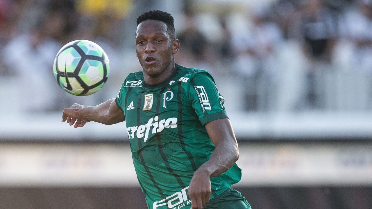 CAMPINAS, BRAZIL - JUNE 25: Yerry Mina #26 of Palmeiras in action during the match between Ponte Preta and Palmeiras as a part of Campeonato Brasileiro 2017 at Moises Lucarelli Stadium on June 25, 2017 in Campinas, Brazil.