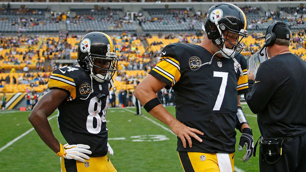 PITTSBURGH, PA - OCTOBER 08: Ben Roethlisberger #7 of the Pittsburgh Steelers and Antonio Brown #84 walk off the field in the fourth quarter during the game against the Jacksonville Jaguars at Heinz Field on October 8, 2017 in Pittsburgh, Pennsylvania.