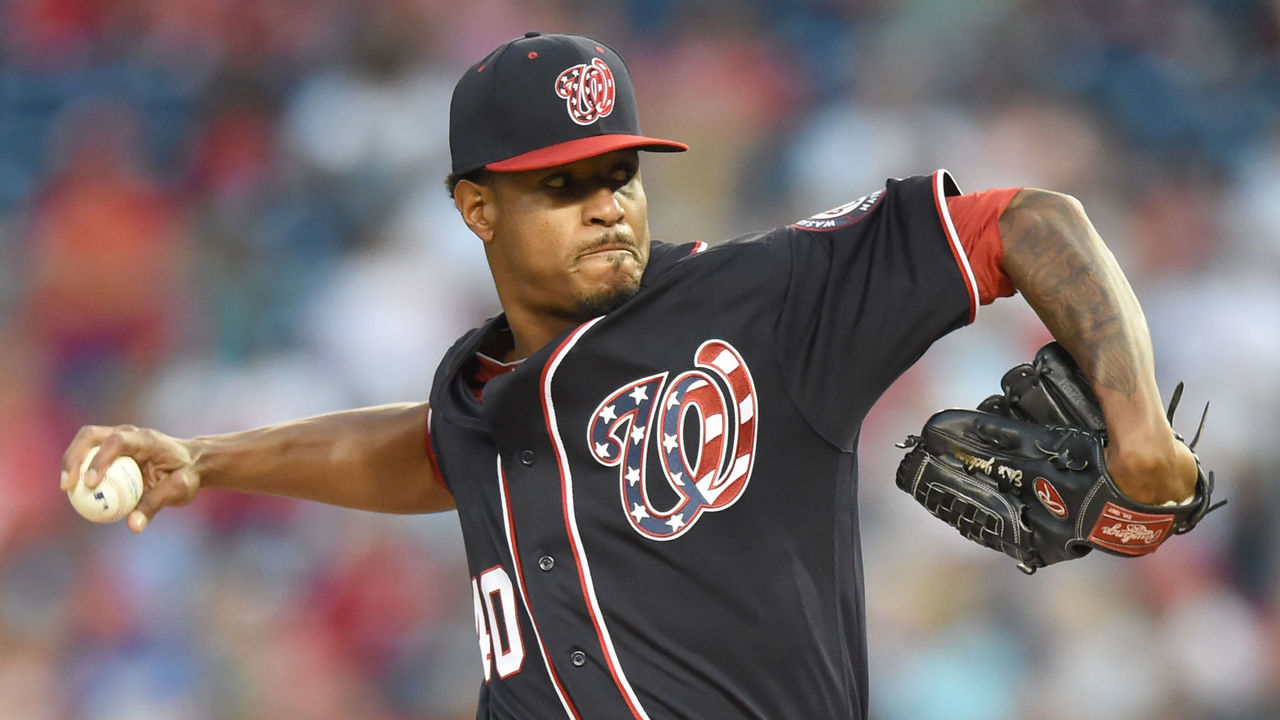 WASHINGTON, DC - SEPTEMBER 15: Edwin Jackson #40 of the Washington Nationals pitches in the first inning during a baseball game against the Los Angeles Dodgers at Nationals Park on September15, 2017 in Washington, DC.