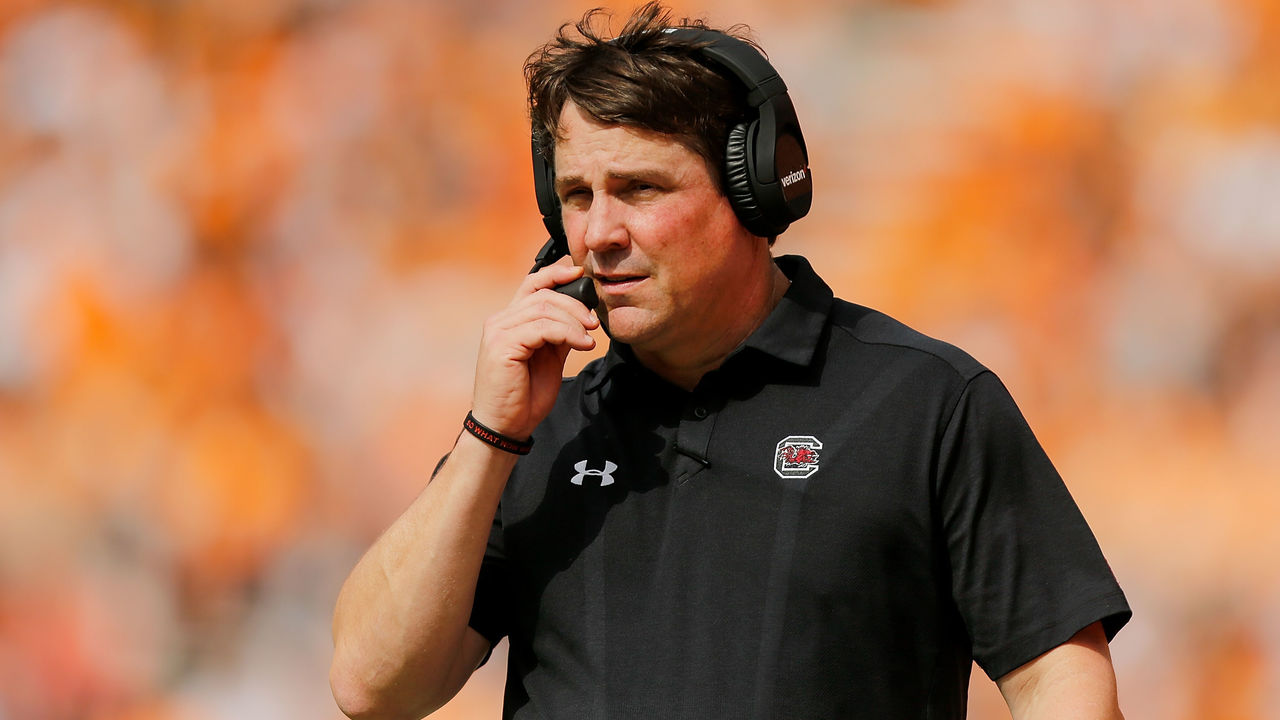 KNOXVILLE, TN - OCTOBER 14: Head coach Will Muschamp of the South Carolina Gamecocks looks on against the Tennessee Volunteers during the first half at Neyland Stadium on October 14, 2017 in Knoxville, Tennessee.
