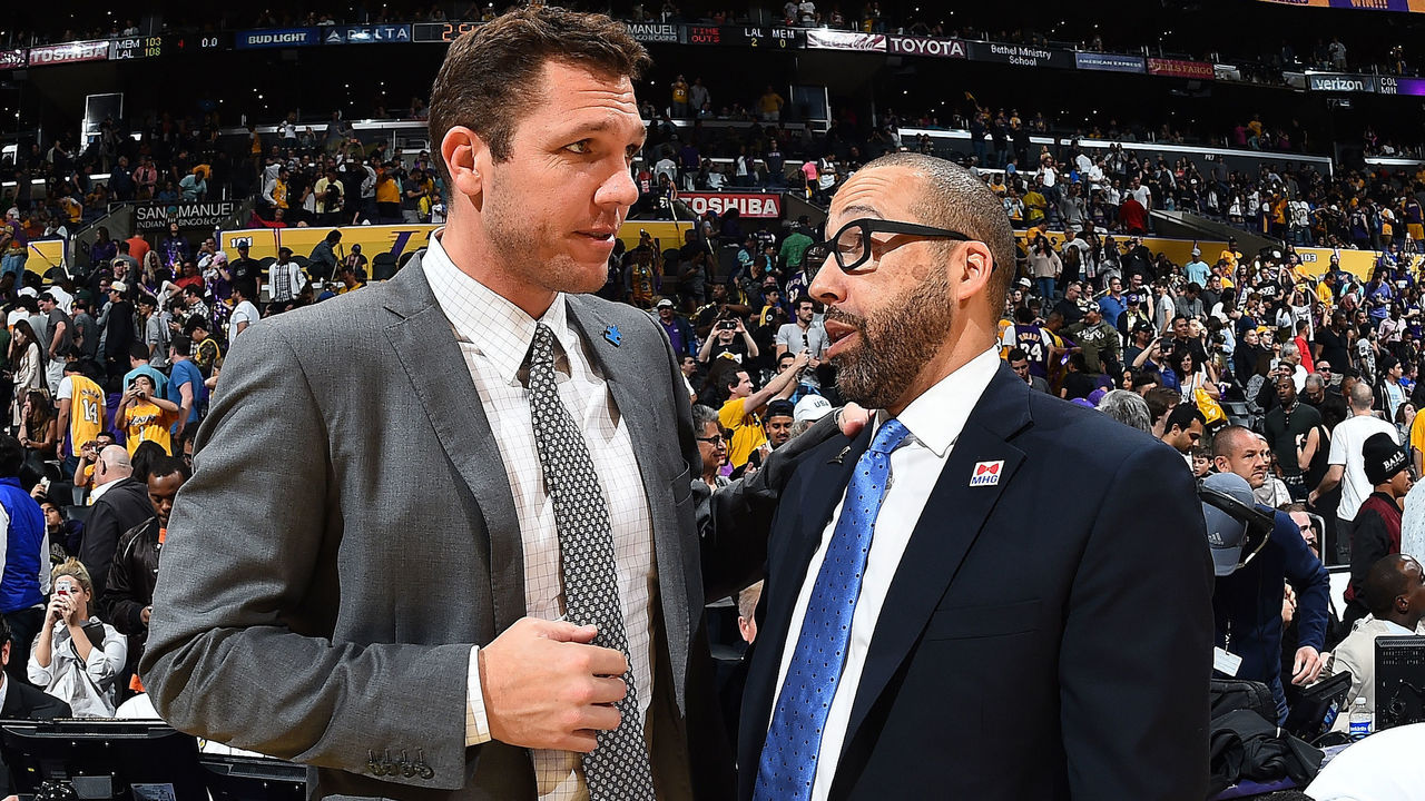 LOS ANGELES, CA - APRIL 2: Head Coaches Luke Walton of the Los Angeles Lakers and David Fizdale of the Memphis Grizzlies talk after the game on April 2, 2017 at STAPLES Center in Los Angeles, California. NOTE TO USER: User expressly acknowledges and agrees that, by downloading and/or using this Photograph, user is consenting to the terms and conditions of the Getty Images License Agreement. Mandatory Copyright Notice: Copyright 2017 NBAE