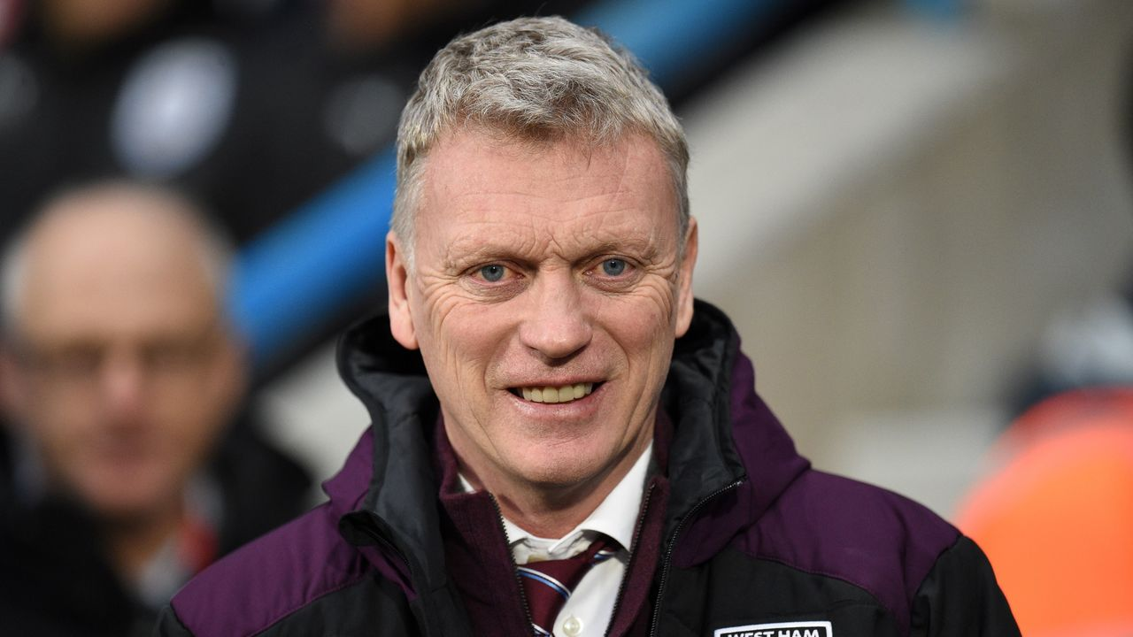 West Ham United's Scottish manager David Moyes is seen at the English Premier League football match between Huddersfield Town and West Ham United at the John Smith's stadium in Huddersfield, northern England on January 13, 2018. / AFP PHOTO / Oli SCARFF /