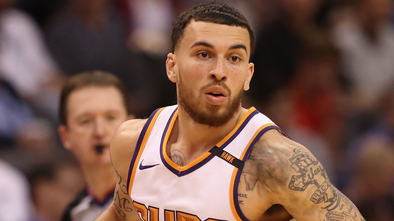 PHOENIX, AZ - NOVEMBER 16: Mike James #55 of the Phoenix Suns handles the ball against the Phoenix Suns during the second half of the NBA game at Talking Stick Resort Arena on November 16, 2017 in Phoenix, Arizona.