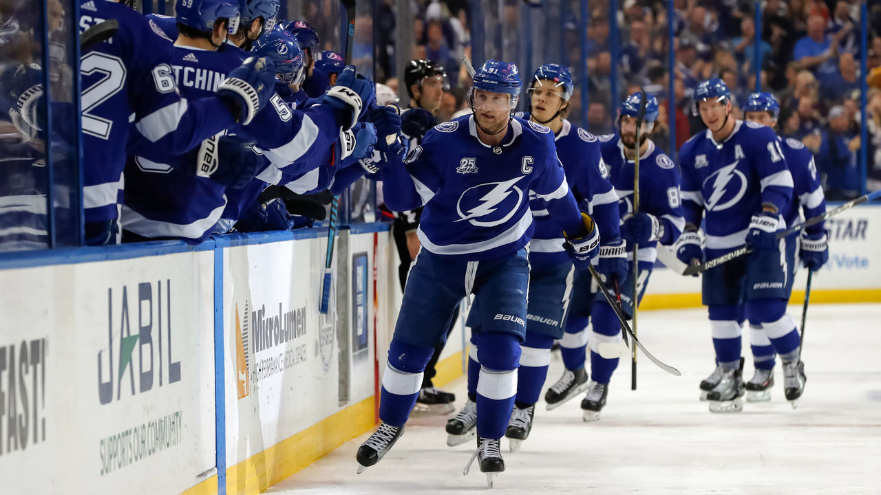 TAMPA, FL - DECEMBER 28: Steven Stamkos #91 of the Tampa Bay Lightning celebrates his second goal of the game against the Montreal Canadiens during the third period at Amalie Arena on December 28, 2017 in Tampa, Florida.