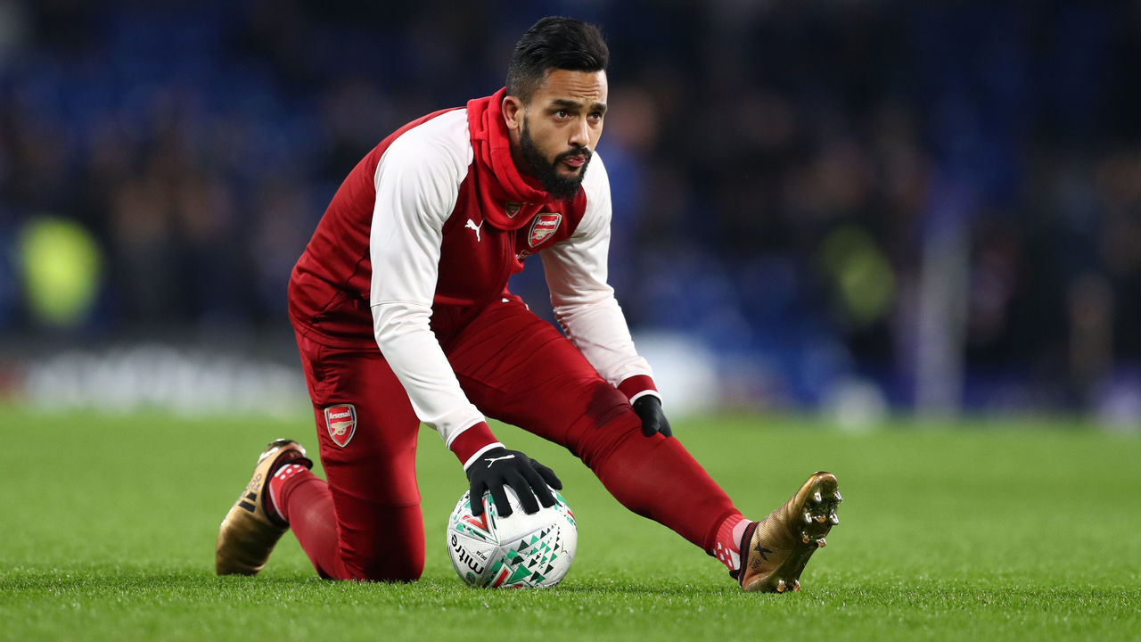 LONDON, ENGLAND - JANUARY 10: Theo Walcott of Arsenal during the Carabao Cup Semi-Final First Leg match between Chelsea and Arsenal at Stamford Bridge on January 10, 2018 in London, England.