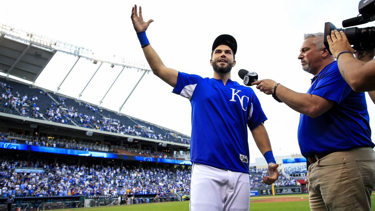 KANSAS CITY, MO - OCTOBER 01: Eric Hosmer #35 of the Kansas City Royals thanks the fans after the last game of the season against the Arizona Diamondbacks at Kauffman Stadium on October 1, 2017 in Kansas City, Missouri. The Royals were defeated by the Diamondbacks 14-2.