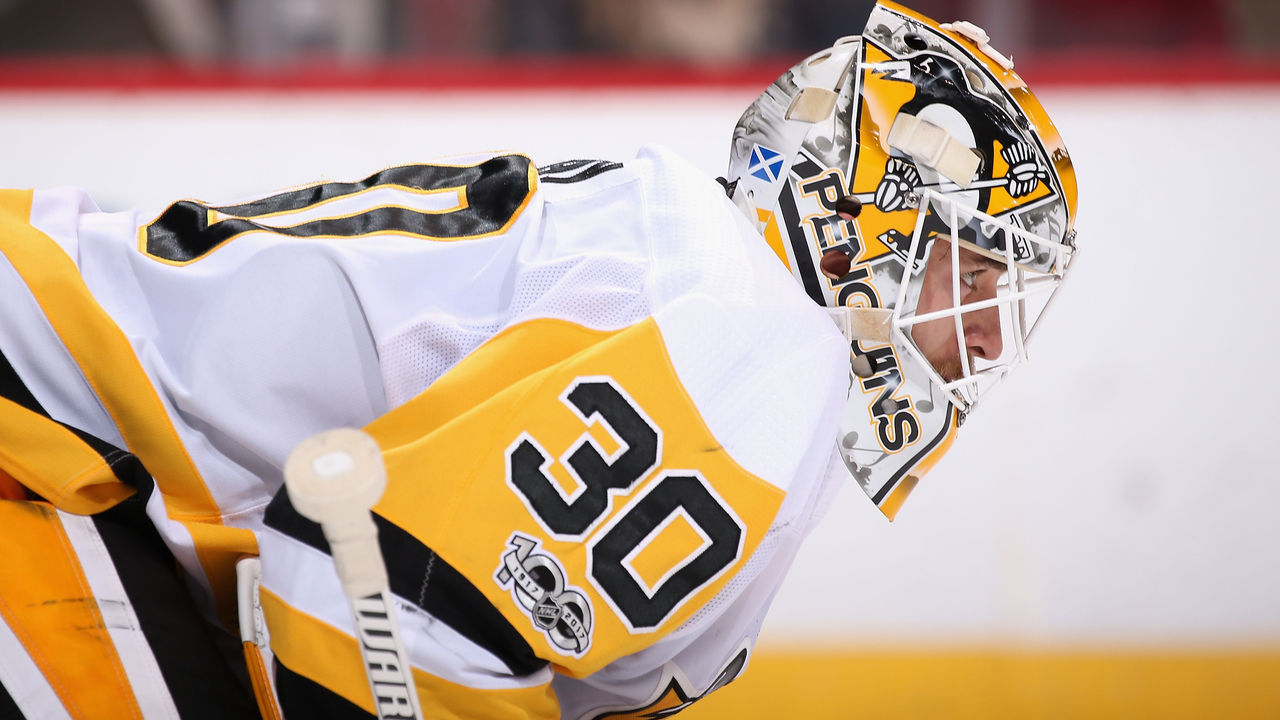 GLENDALE, AZ - DECEMBER 16: Goaltender Matt Murray #30 of the Pittsburgh Penguins looks down ice during the third period of the NHL game against the Arizona Coyotes at Gila River Arena on December 16, 2017 in Glendale, Arizona. The Penguins defeated the Coyotes 4-2.