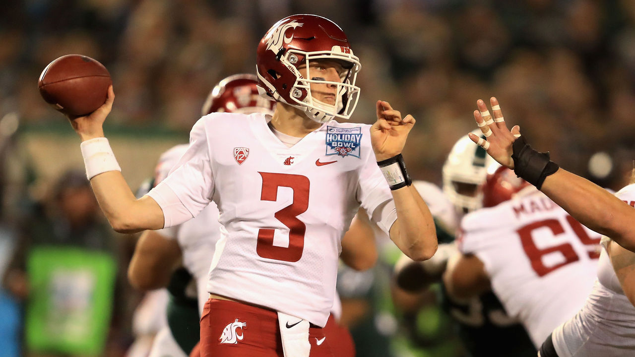 SAN DIEGO, CA - DECEMBER 28: Tyler Hilinski #3 of the Washington State Cougars passes the ball against the Michigan State Spartans during the first half of the SDCCU Holiday Bowl at SDCCU Stadium on December 28, 2017 in San Diego, California.