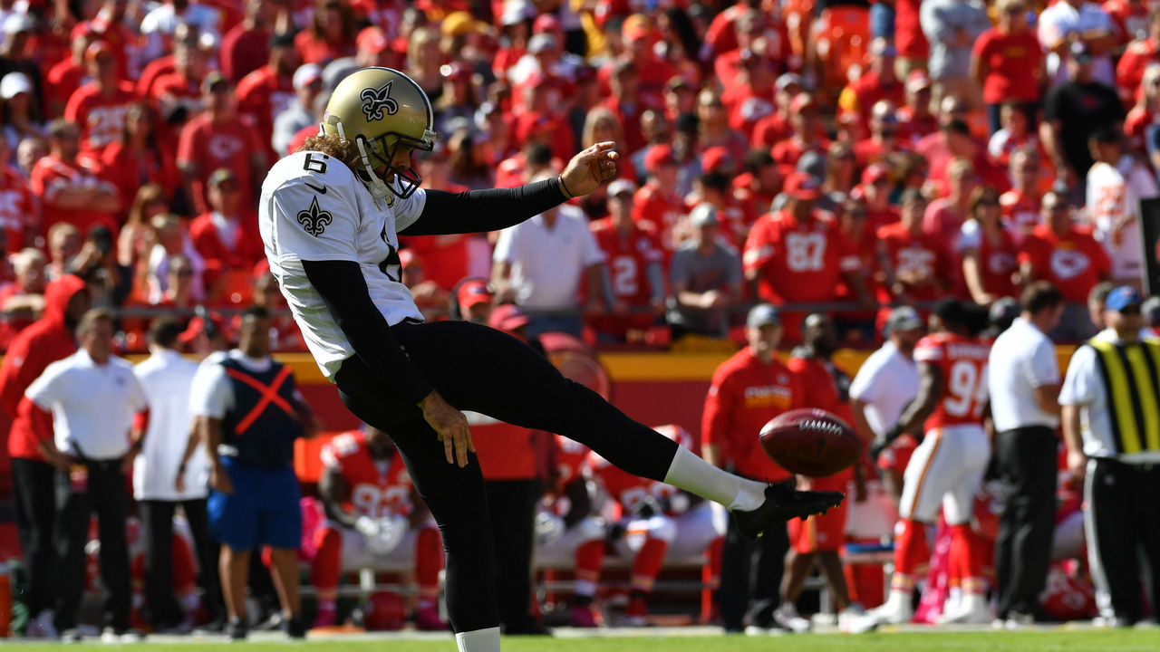 KANSAS CITY, MO - OCTOBER 23: Punter Thomas Morstead #6 of the New Orleans Saints punts the ball to the awaiting Kansas City Chiefs at Arrowhead Stadium during the second quarter of the game on October 23, 2016 in Kansas City, Missouri.
