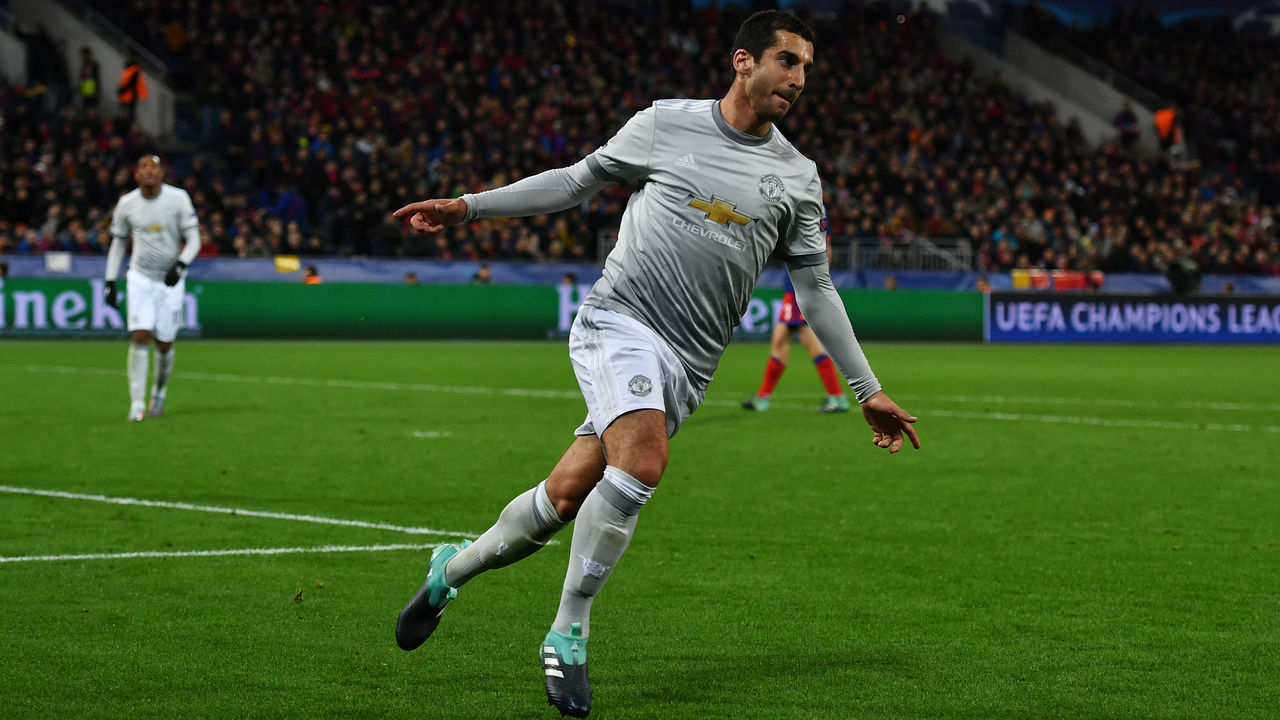 MOSCOW, RUSSIA - SEPTEMBER 27: Henrikh Mkhitaryan of Manchester United celebrates after he scores his sides fourth goal during the UEFA Champions League group A match between CSKA Moskva and Manchester United at WEB Arena on September 27, 2017 in Moscow, Russia.