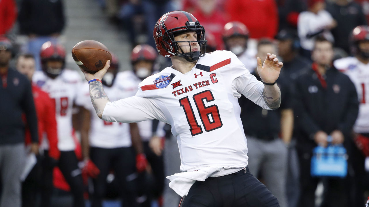BIRMINGHAM, AL - DECEMBER 23: Nic Shimonek #16 of the Texas Tech Red Raiders throws a pass against the South Florida Bulls in the first half of the Birmingham Bowl at Legion Field on December 23, 2017 in Birmingham, Alabama.