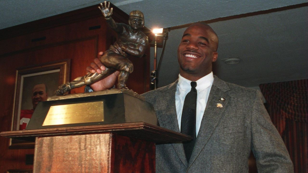 10 Dec 1994: COLORADO RUNNING BACK RASHAAN SALAAM WITH THE HEISMAN TROPHY AFTER BEING NAMED AS THE 60TH WINNER OF THE AWARD AT THE DOWNTOWN ATHLETIC CLUB IN NEW YORK CITY NEW YORK.
