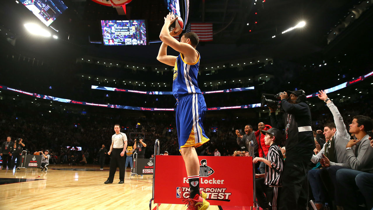 TORONTO, ON - FEBRUARY 13: Klay Thompson of the Golden State Warriors shoots in the Foot Locker Three-Point Contest during NBA All-Star Weekend 2016 at Air Canada Centre on February 13, 2016 in Toronto, Canada. NOTE TO USER: User expressly acknowledges and agrees that, by downloading and/or using this Photograph, user is consenting to the terms and conditions of the Getty Images License Agreement.