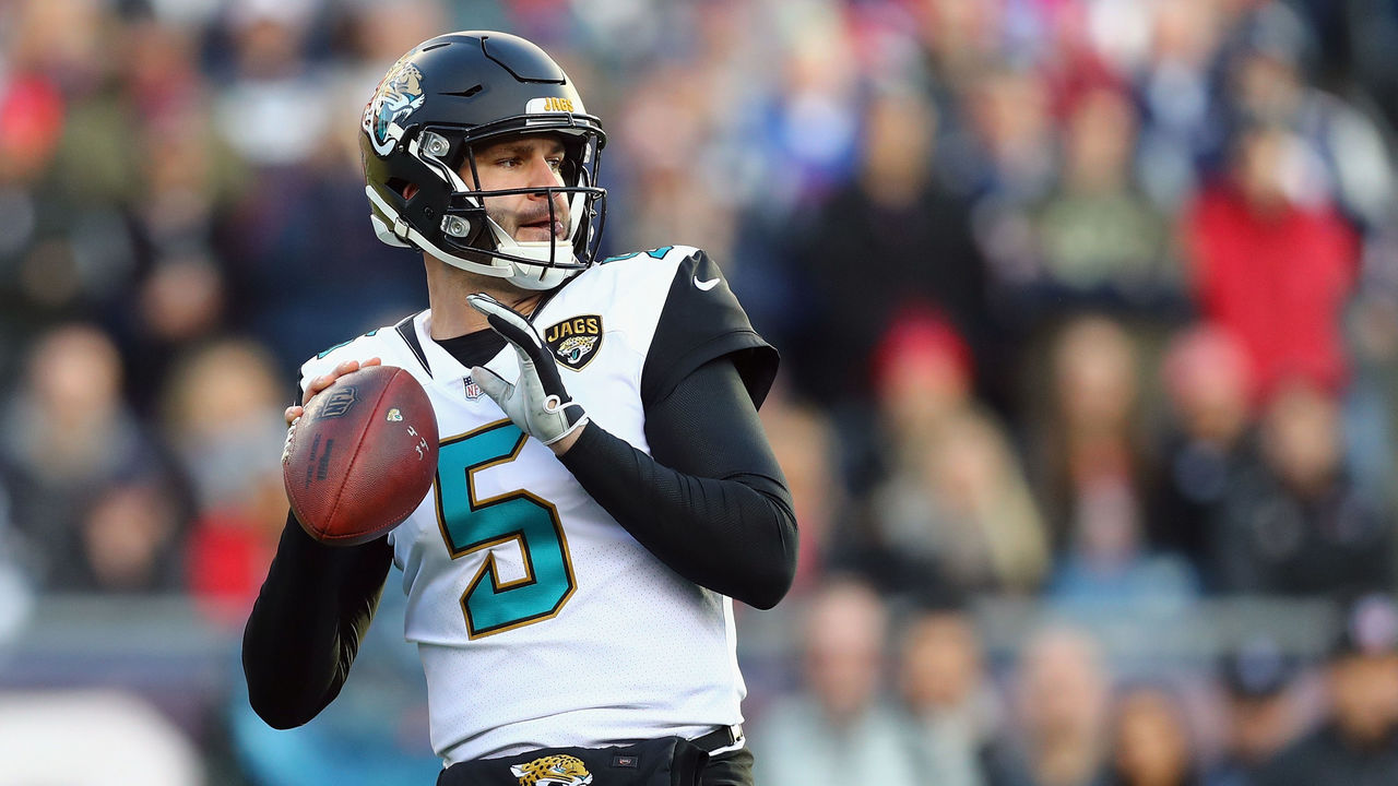 FOXBOROUGH, MA - JANUARY 21: Blake Bortles #5 of the Jacksonville Jaguars throws in the first quarter of the AFC Championship Game against the New England Patriots at Gillette Stadium on January 21, 2018 in Foxborough, Massachusetts.