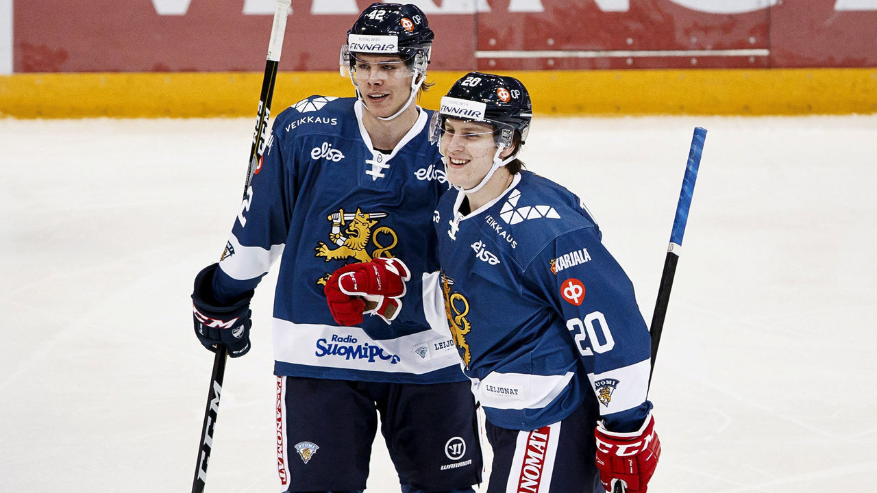 Cropped_2017-11-11t161140z_611877048_rc122f793ce0_rtrmadp_3_icehockey-fin-swe