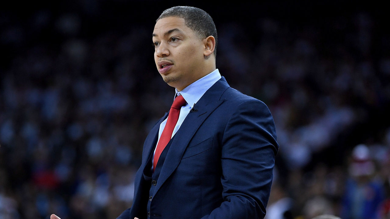 OAKLAND, CA - DECEMBER 25: Head coach Tyronn Lue of the Cleveland Cavaliers reacts to the officiating from the referees during an NBA basketball game against the Golden State Warriors at ORACLE Arena on December 25, 2017 in Oakland, California.