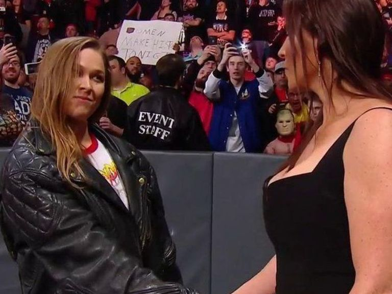 Rousey signs full-time contract with WWE