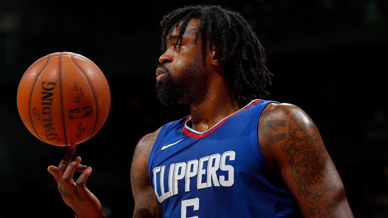 ATLANTA, GA - NOVEMBER 22: DeAndre Jordan #6 of the LA Clippers reacts during the game against the Atlanta Hawks at Philips Arena on November 22, 2017 in Atlanta, Georgia.