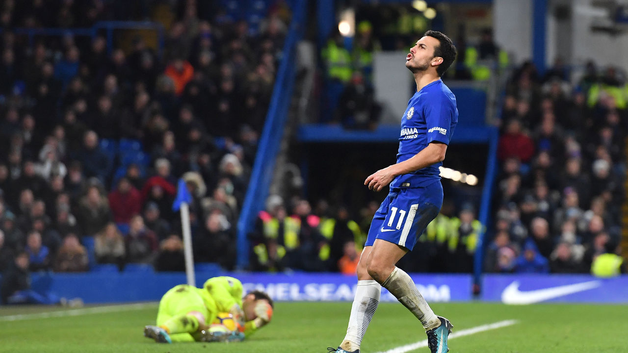 Chelsea's Spanish midfielder Pedro reacts to a missed chance during the English Premier League football match between Chelsea and Bournemouth at Stamford Bridge in London on January 31, 2018. / AFP PHOTO / Ben STANSALL /
