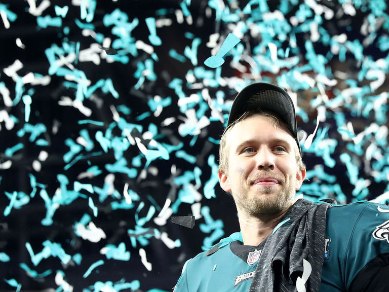 Foles leads Brady, Wentz in merchandise sales since March