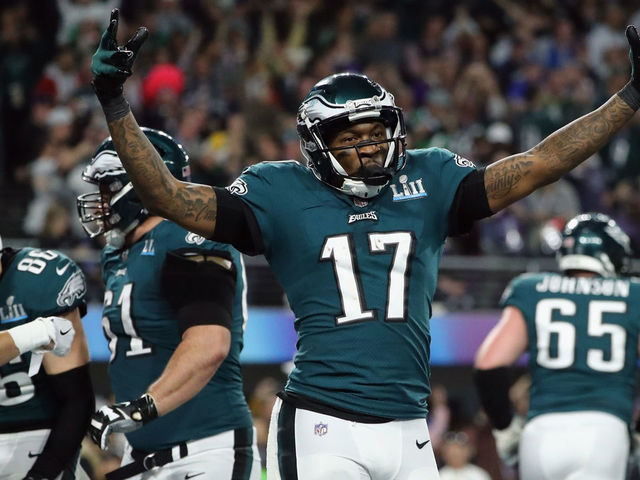 MINNEAPOLIS MN - FEBRUARY 04 Alshon Jeffery 17 of the Philadelphia Eagles celebrates the 11-yard touchdown catch of teammate Zach Ertz 86 during the fourth quarter against the New England Patriotsin Super Bowl LII at US Bank Stadium on February 4 2018 in Minneapolis Minnesota