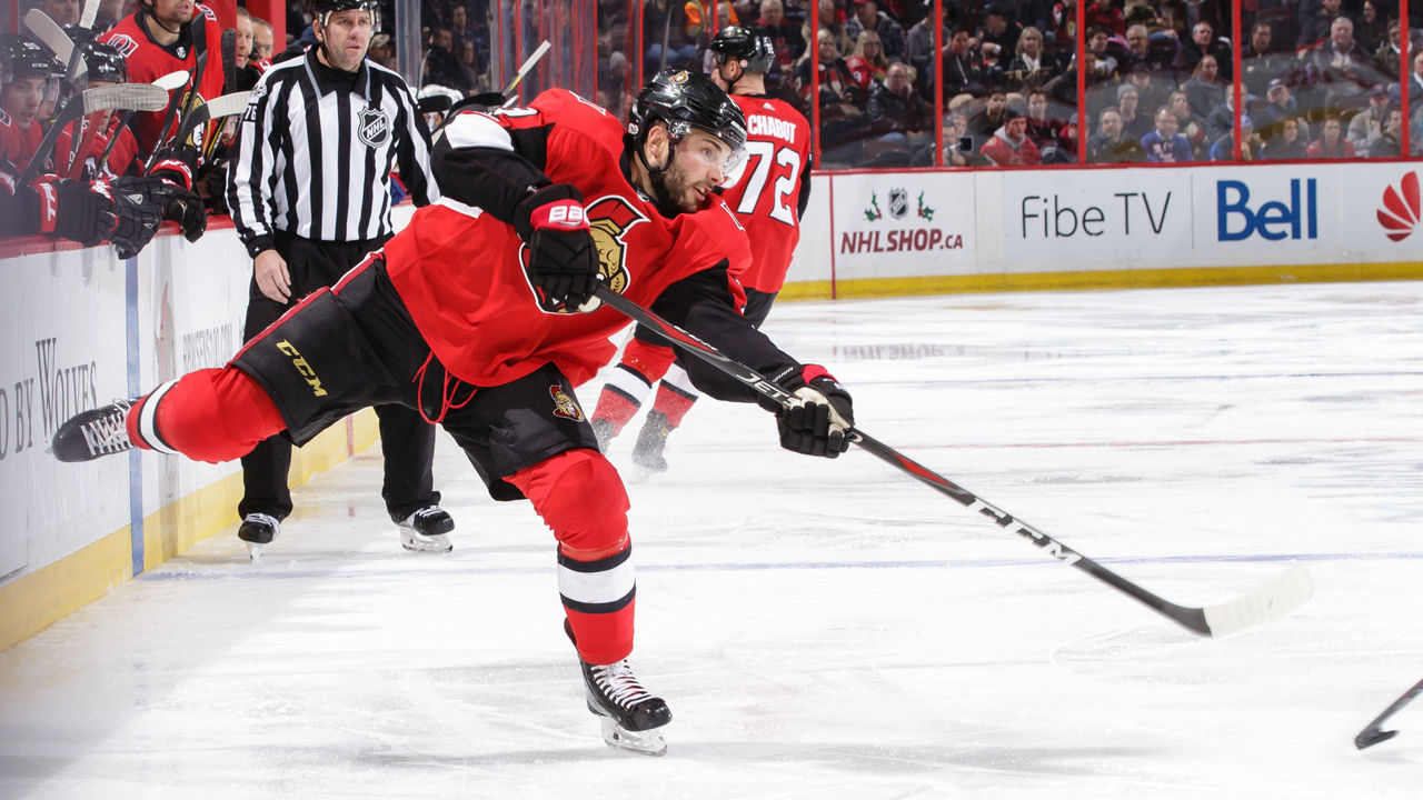 OTTAWA, ON - DECEMBER 4: Derick Brassard #19 of the Ottawa Senators shoots the puck against the New York Rangers at Canadian Tire Centre on December 4, 2017 in Ottawa, Ontario, Canada.