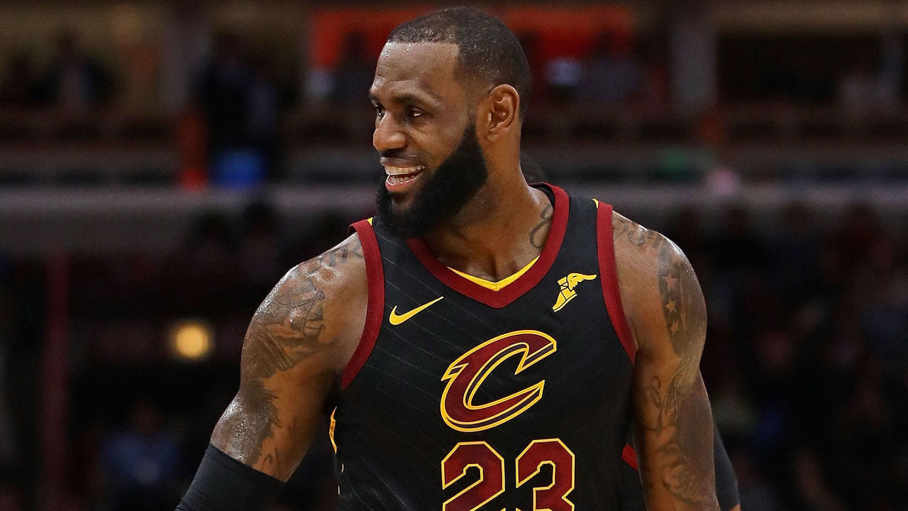 CHICAGO, IL - DECEMBER 04: LeBron James #23 of the Cleveland Cavaliers smiles at the bench against the Chicago Bulls at the United Center on December 4, 2017 in Chicago, Illinois. The Cavaliers defeated the Bulls 113-91.