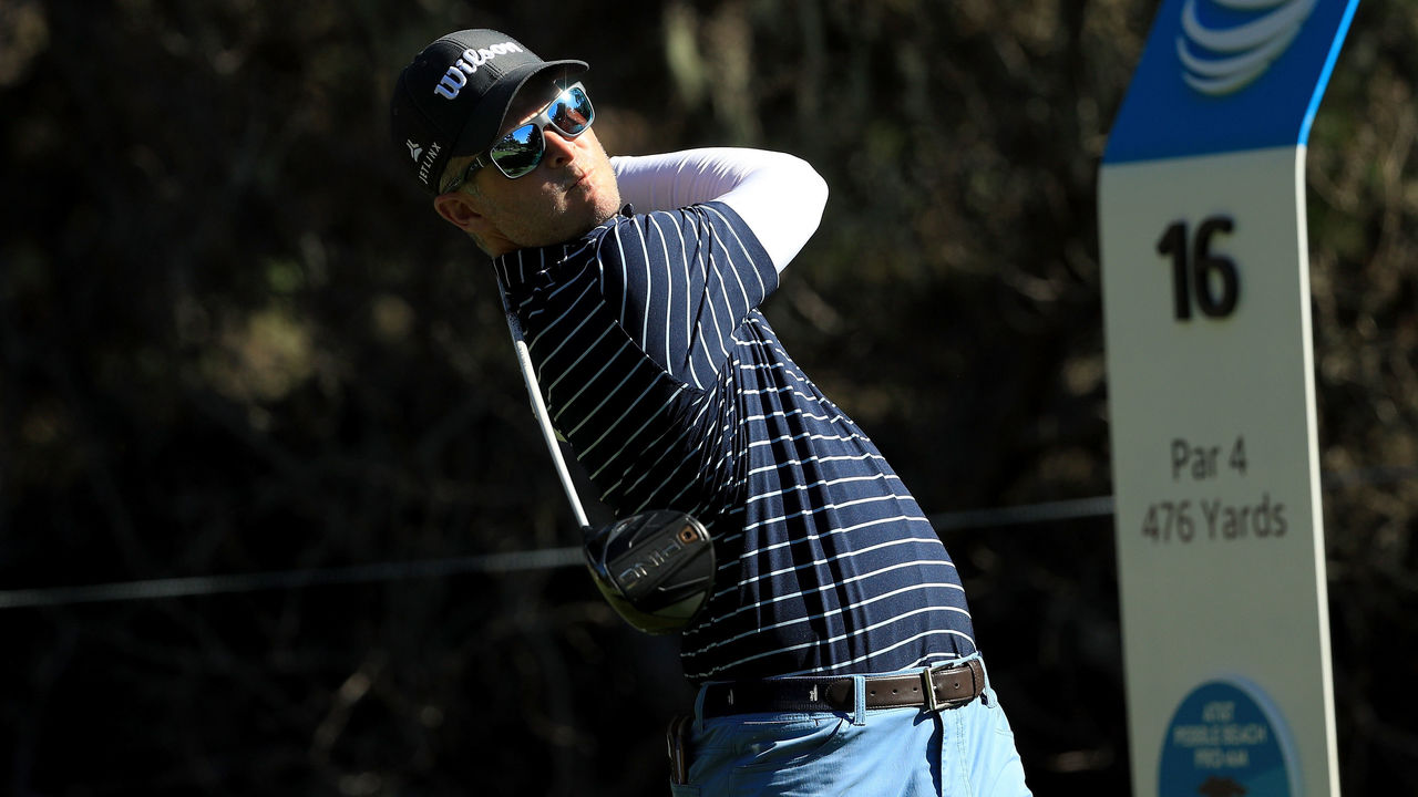 PEBBLE BEACH, CA - FEBRUARY 08: Kevin Streelman plays his shot from the 16th tee during Round One of the AT&T Pebble Beach Pro-Am at Spyglass Hill Golf Course on February 8, 2018 in Pebble Beach, California.