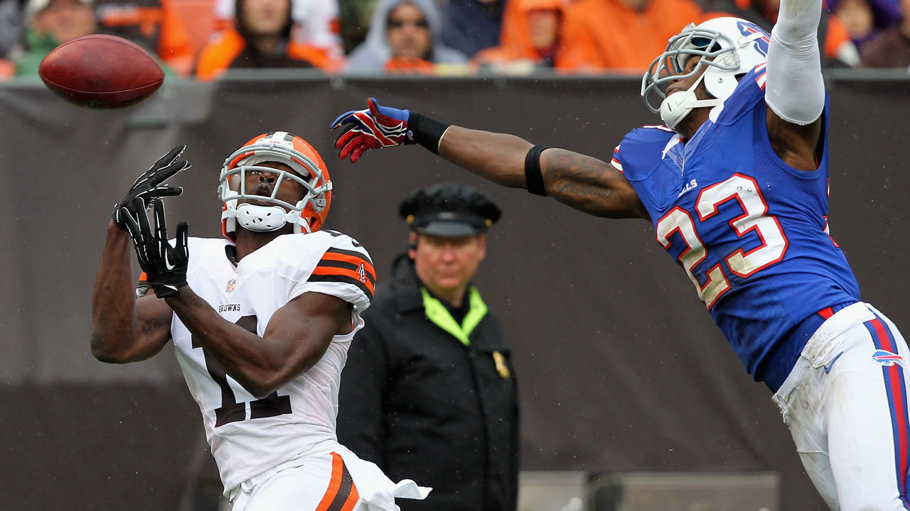 CLEVELAND, OH - SEPTEMBER 23: Cornerback Aaron Williams #23 of the Buffalo Bills breaks up a pass to wide receiver Mohamed Massaquoi #11 of the Cleveland Browns at Cleveland Browns Stadium on September 23, 2012 in Cleveland, Ohio.