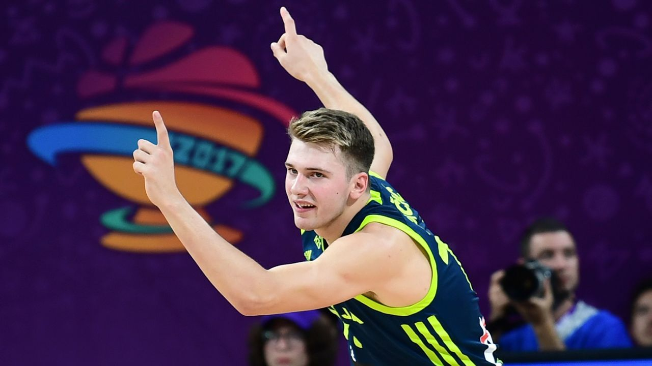 Slovenia's guard Luka Doncic reacts after scoring a basket during the FIBA Eurobasket 2017 men's semi-final basketball match between Spain and Slovenia at the Fenerbahce Ulker Sport Arena in Istanbul on September 14, 2017. / AFP PHOTO / OZAN KOSE