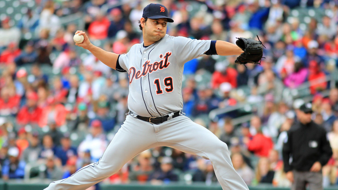 MINNEAPOLIS, MN - OCTOBER 1: Anibal Sanchez #19 of the Detroit Tigers pitches against the Minnesota Twins in the first inning during their baseball game on October 1, 2017 at Target Field in Minneapolis, Minnesota.